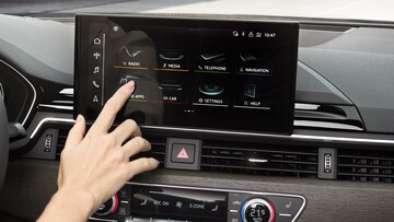 Audi A5 Cabriolet MMI touch display - Audi Australia